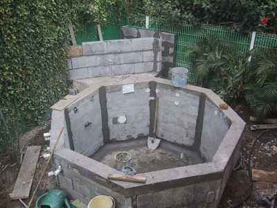 Construire son jacuzzi meilleures images d 39 inspiration for Construction piscine bloc a bancher